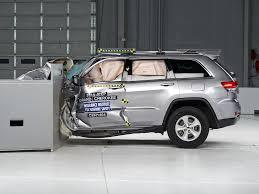 si e auto crash test 2014 jeep grand driver side small overlap iihs crash test