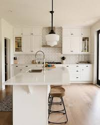 what tile goes with white cabinets 20 kitchen backsplash ideas for white cabinets