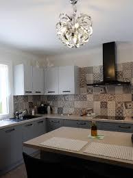 mur de cuisine quel revêtement pour réveiller les murs de votre cuisine le