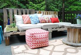 Patio Furniture With Pallets - diy outdoor pallet sofa jenna burger