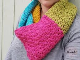 textured infinity scarf pattern using one caron cake the