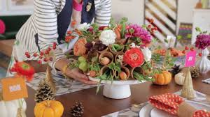 how to decorate a thanksgiving dinner table a sweet way to decorate your dining table for guests youtube