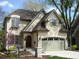 Cottage Style Garage Doors by Making An Entrance Garage Door Styles And Craftsman Bungalows