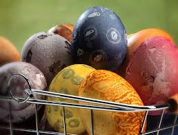 Coloring Eggs Color Your Easter Eggs The Old Fashioned Way Startribune Com