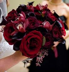 bouquet of roses best 25 bouquet of roses ideas on purple wedding