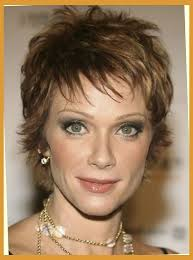 haircuts for medium length hair u003d for women over 50 with wispy