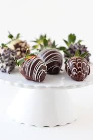 dipped strawberries chocolate covered strawberries handle the heat
