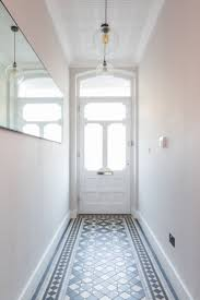 Hallway Paint Ideas by Best 25 Victorian Hallway Ideas On Pinterest Hallways Grey