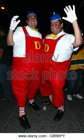 Tweedle Dee And Tweedle Dum Costumes Tweedledum Tweedledee Stock Photo Royalty Free Image 5077181 Alamy