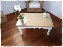 Relooker Une Table Nouveau Look Pour Table En Pin Broc Et Patine Le Grenier De Sara