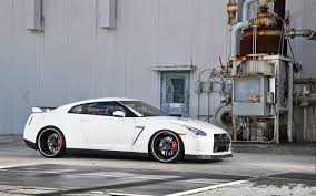 black nissan gtr wallpaper white gtr wallpaper 2456x1536 id 40795 wallpapervortex com
