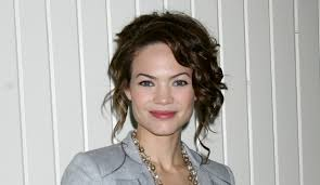 elizabeth from gh new haircut general hospital news rebecca herbst is staying on as elizabeth