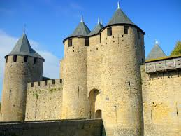top 10 most beautiful medieval castles of france french moments