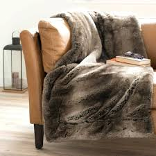 plaid beige canapé plaid beige canape plaid fausse fourrure cracer du confort en hiver
