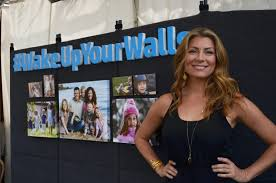 genevieve gorder wake up your walls sweepstakes enter to win holding the world