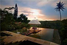 twilight romantic dinner in ubud around bali u2014 eoasia