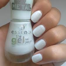 Turn Lights On Notd Essence The Gel Nail Polish In 49 Turn The Lights On Lana