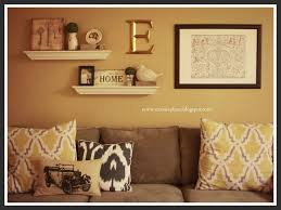 Living Room Wall Decor Ideas Best 25 Above Couch Decor Ideas On Pinterest Rustic Window