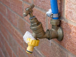 Garden Hose Faucet Freeze Home Outdoor Decoration 4 Ways To Prevent Frozen Pipes Hobby Farms