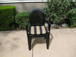 Plastic Stackable Patio Chairs Best 25 Painting Plastic Chairs Ideas On Pinterest Painting