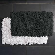 Fluffy Bathroom Rugs Fluffy Bathroom Rugs In Home Designs