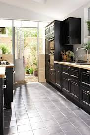 cuisine blanc et noyer modele cuisine noir et blanc inspirations avec beau cuisine noir