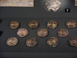 vergina sun picture of archaeological museum of thessaloniki