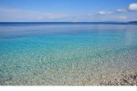 le ghiaie la nostra meravigliosa spiaggia di acqua cristallina foto di