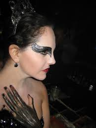 black swan halloween makeup good junque black swan vs white swan