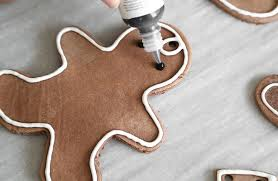 diy gingerbread ornaments for your tree