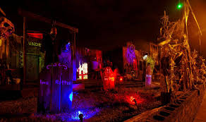 Awesome Halloween Decorated Houses by Garden Villa Design Halloween House Decorating Exterior African