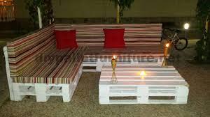 créer canapé canapé et table basse en palettes pour le jardinmeuble en palette