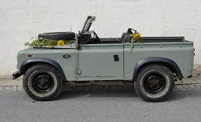 land rover defender brief about model
