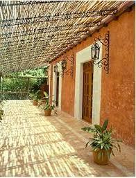 Mexican Patio Decor Best 25 Mexican Courtyard Ideas On Pinterest Mexican Hacienda