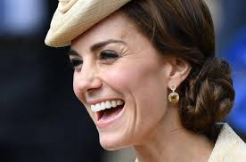 kate middleton earrings best jewelry moments of kate middleton