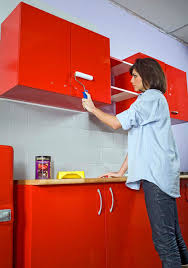 r駸ine pour meuble de cuisine les techniques pour appliquer de la résine sur des meubles de