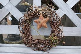 Holiday Wreath Ideas Pictures A Holiday Wreath Dirt Simple