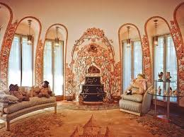 donald trump house inside four poster bed dripping in gold inside donald trump s garish 58