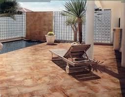 piastrelle balcone esterno piastrelle per esterni progettazione giardini come scegliere