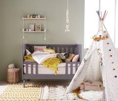chambre bébé avec lit évolutif vertbaudet chambre bébé mixte avec lit évolutif transformable en
