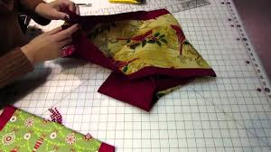 how to make a table runner with pointed ends easy to make table runner youtube