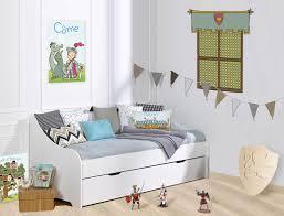 chambre chevalier décoration pour chambre enfant chevaliers