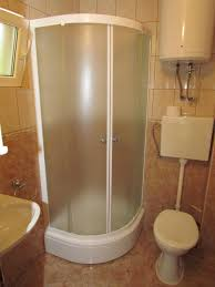 A1 Shower Door by Apartment A1