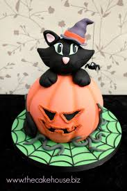 cakes for halloween 67 best celebration cakes images on pinterest celebration cakes