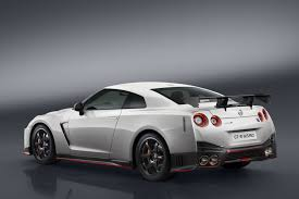 nissan patrol nismo 2017 2017 nissan gt r nismo makes official debut at the nurburgring