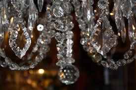 reverbere en fonte lustre en bronze à pampilles de style louis xv rocaille 8 feux