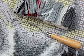 How To Make A Wool Rug With A Hook Learn To Latch Hook General Crafts Inspiration U0026 How To