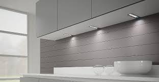 eclairage sous meuble cuisine led eclairage sous meuble cuisine idées de design maison faciles