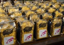 Garretts Popcorn Wedding Favors by Getting Hitched Tokens Of Your Affection Page 2 Of 2
