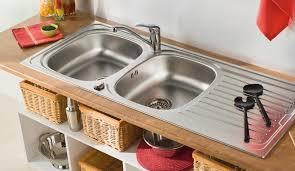 lavabo cuisine bouché déboucher un lavabo un évier une baignoire diy faites le vous